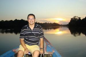 Padre Sidney Canto, no Rio Tapajós, 2008 (Foto Paulo Lima)